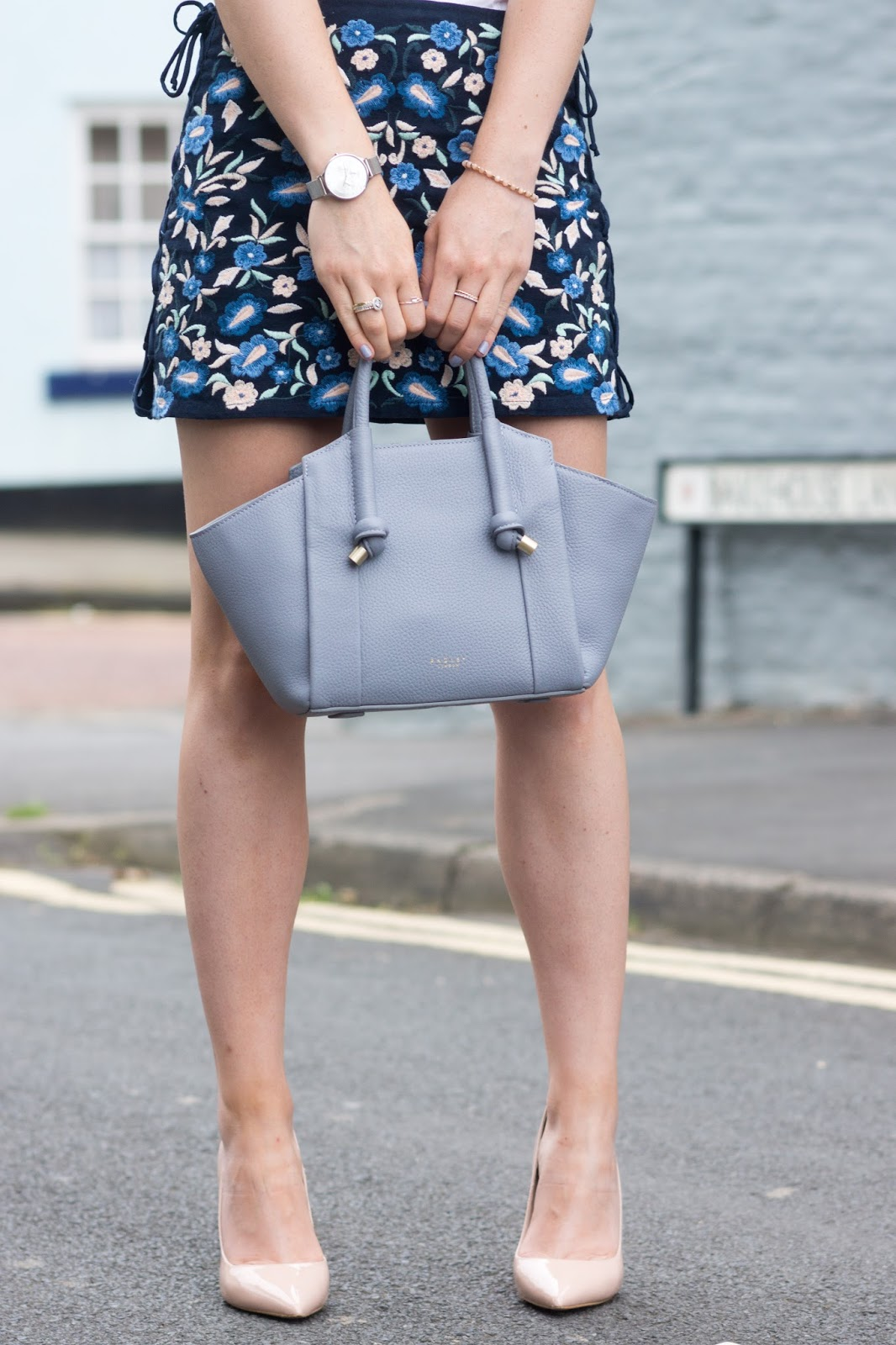 Hello Freckles Street Style Karen Millen SS17 Nebloggers Outfit Personal Style Radley Bag