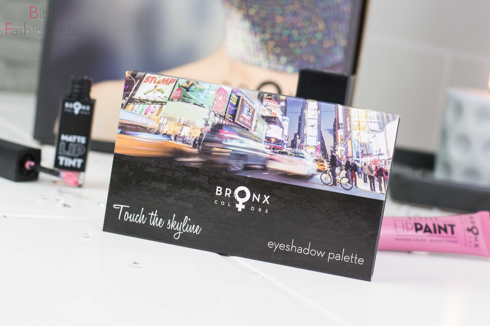 Try Out Bronx Color Urban Cosmetics Touch the skyline Eyeshadow Palette
