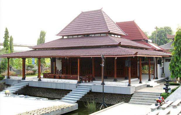 Mengenal Lebih Detail Rumah Adat Provinsi Daerah Istimewa Yogyakarta Bangsal Kencono Dtechnoindo