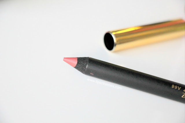 MAC Soar lip liner on dry lips
