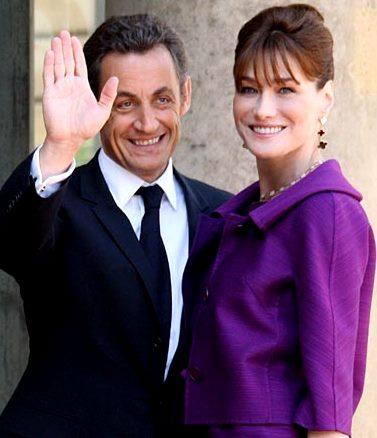 Foto de Nicolas Sarkozy feliz junto a su esposa Carla Bruni
