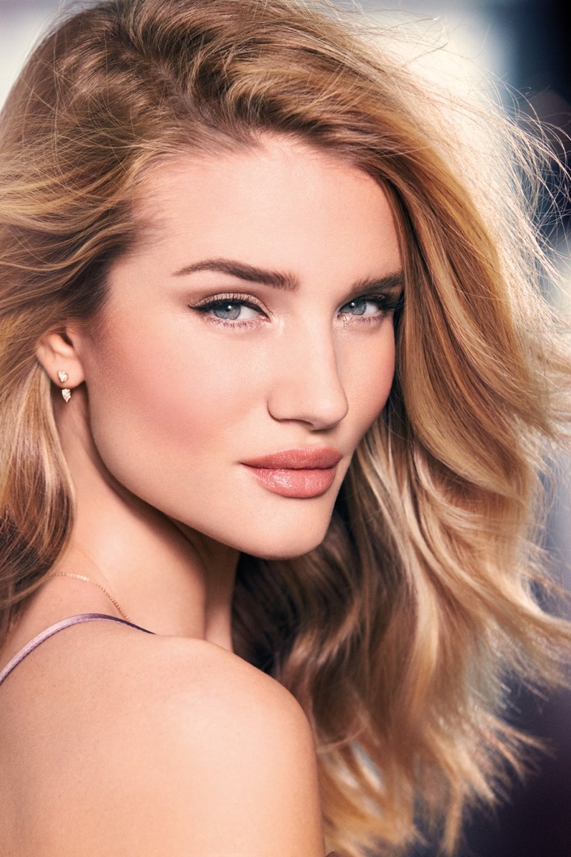 Rosie Huntington Whiteley launches makeup line!