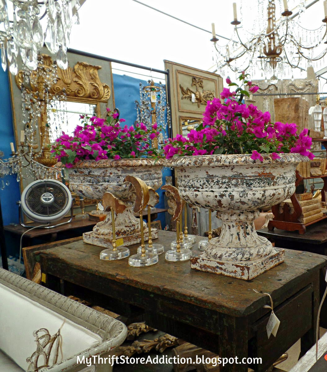 Gorgeous urns and chandeliers