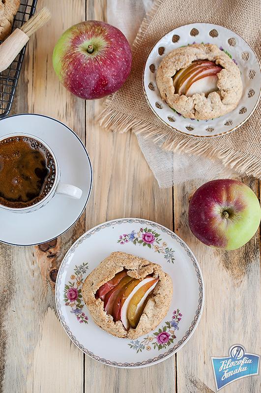 Razowa tarta jabłkowa