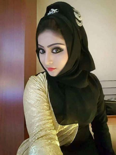 Muslim teacher Indian bhabhi