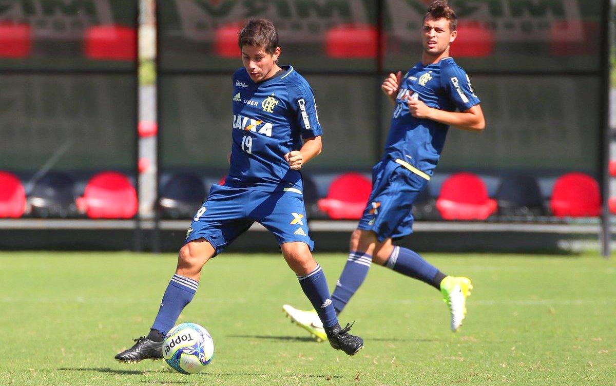 Daro Conca participa de treino de finaliza§µes no Flamengo Fla
