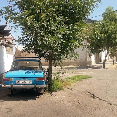 Le Chameau Bleu - Voiture Ouzbek vintage Ouzbékistan Asie Centrale