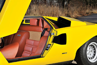 Lamborghini Countach LP400 Periscopio Interior 01