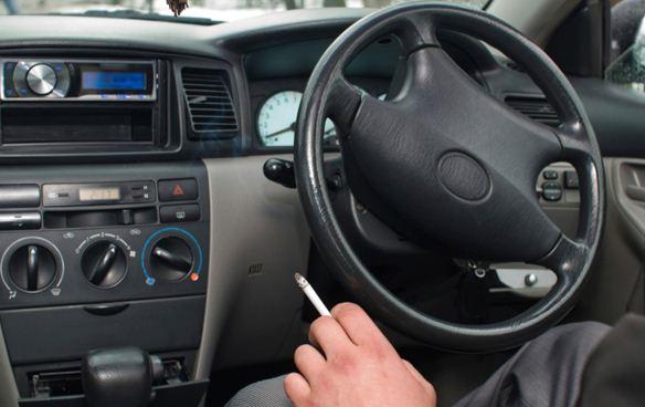 Tips Sederhana Hilangkan Bau Asap Rokok Dalam Kabin Mobil