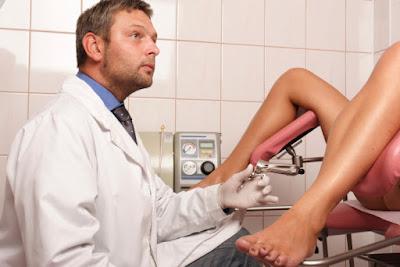 Khi có dấu hiệu viêm tyến Bartholin cần đến gặp bác sỹ để được tư vấn và điều trị kịp thời