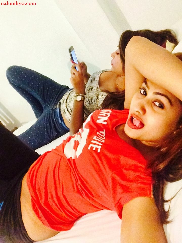 sri lankan hot actresses piumi hansamali leaked naked selfie photos
