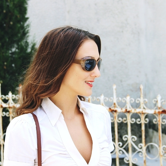 Jelena Zivanovic Instagram @lelazivanovic.Glam fab week.Chic brown sunglasses.