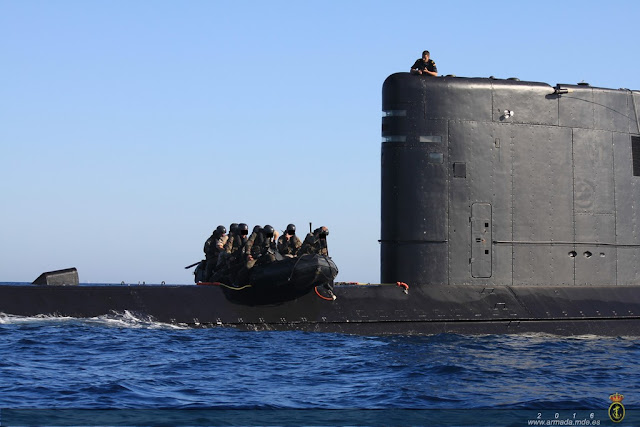 El Curso de Aptitud de Guerra Naval Especial se adiestra desde plataforma submarina