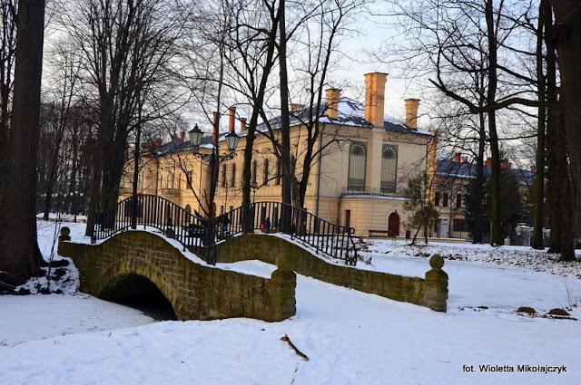 Żywiec- park w zimowej odsłonie.