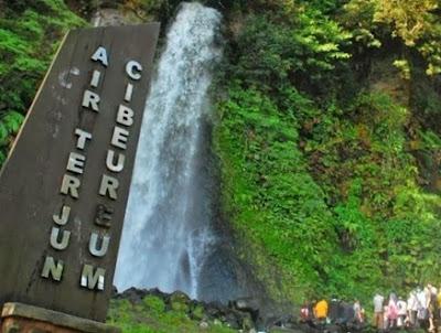 tempat wisata alam puncak Curug Cibeureum