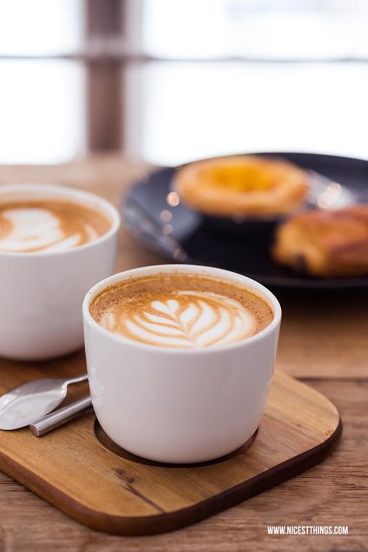 Cappuccino mit Latte Art im Coffee Nerd Heidelberg