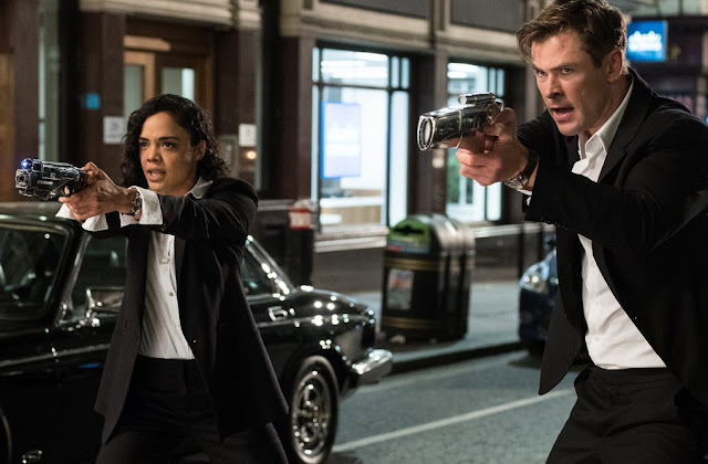 "Chris Hemsworth divulga nova imagem de ""MIB: Internacional"""