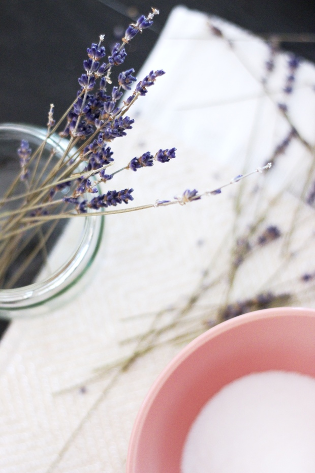 Homemade Lavender Body Scrub- 3 ingredients, all natural coconut oil scrub with Thursday Plantation