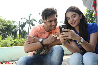Rukshar Mir romancing Ashish Raj in Aakatayi 09.jpg