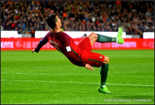 66f8bc74d7 Portugal 3- 0 Hungria – Vitória folgada com fenómeno Ronaldo inspirado e um  André Silva endiabrado – Pontapé de bicicleta do artista madeirense