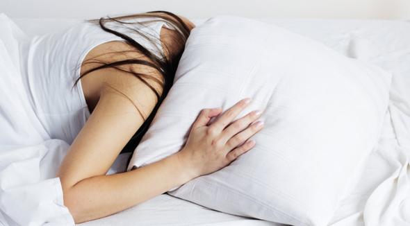 femeile trebuie sa doarma mai mult decat barbatii