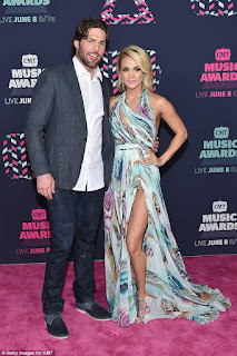 Mike Fisher Wife Carrie Underwood Red Carpet