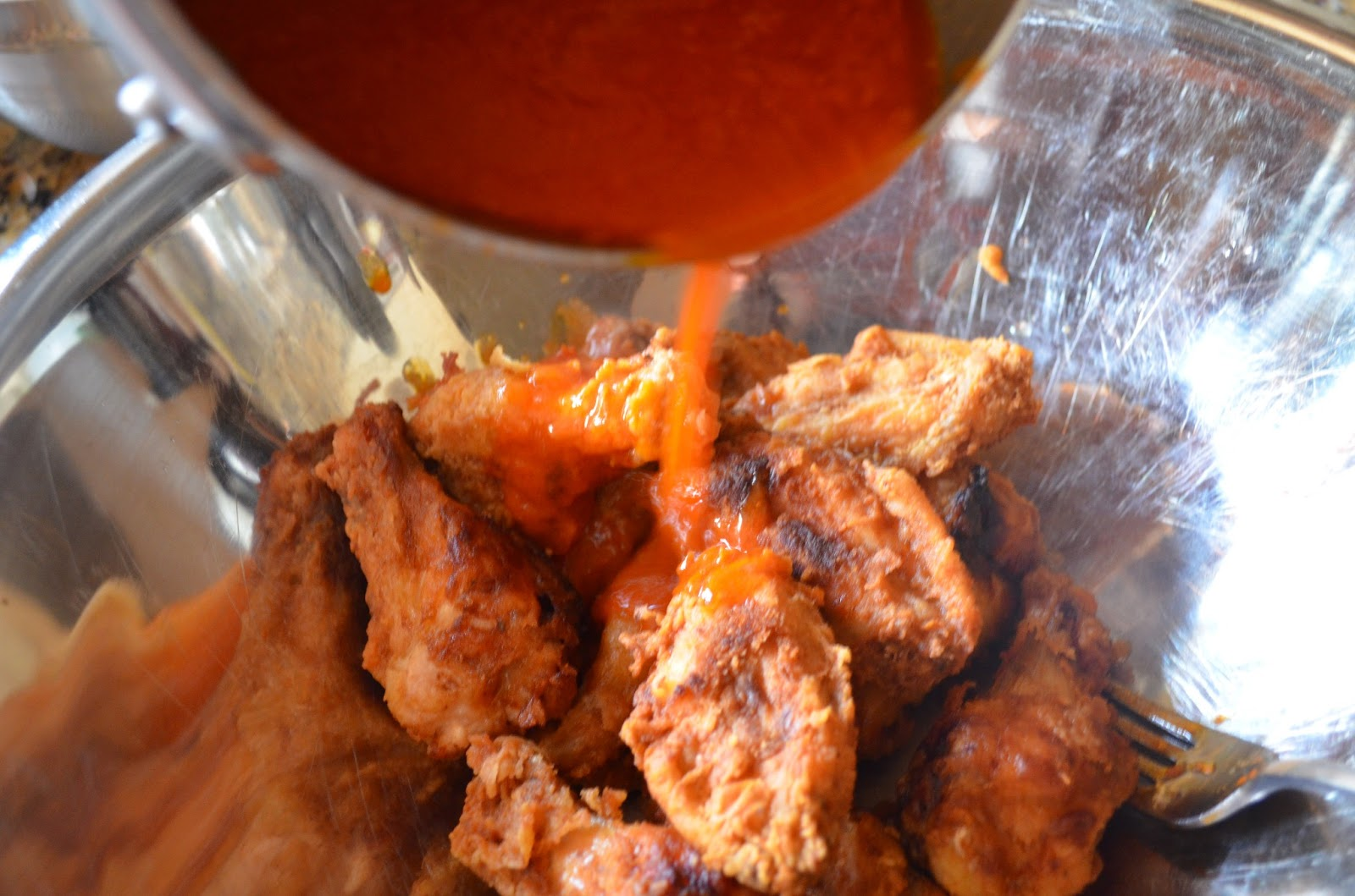 Fried-Hot-Wings-Hot-Sauce.jpg