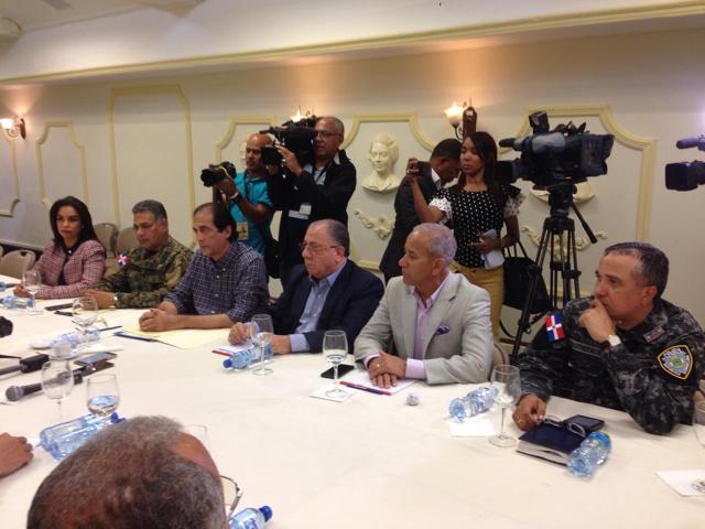 Gobierno y FENATRADO acuerdan suspender el paro