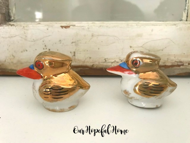 vintage gold iridescent pelican salt and pepper shakers