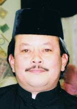 Cikgu Sulaiman Sharif is Director and Imam Khalifah of Gayong Amerika