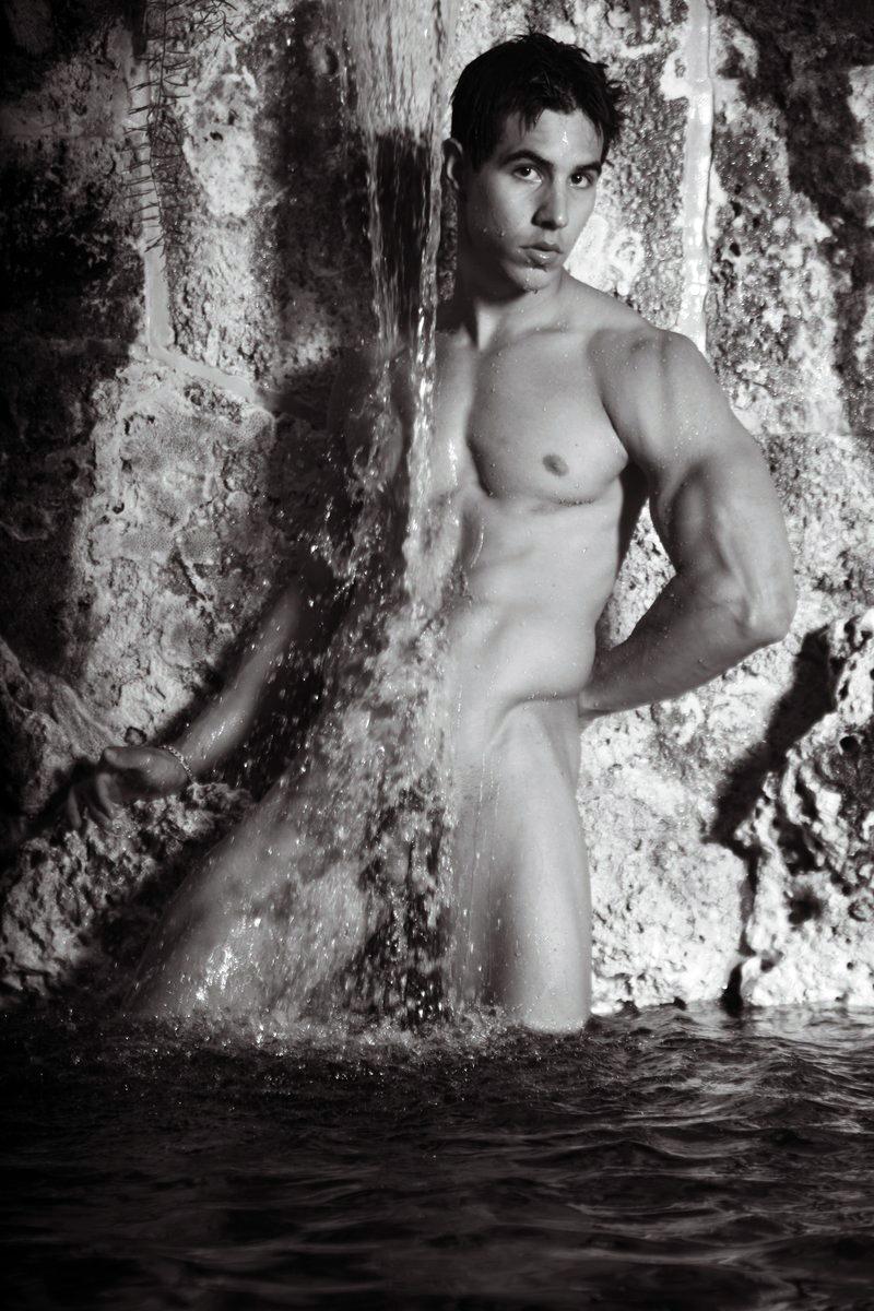 Alan valdez frontal nude