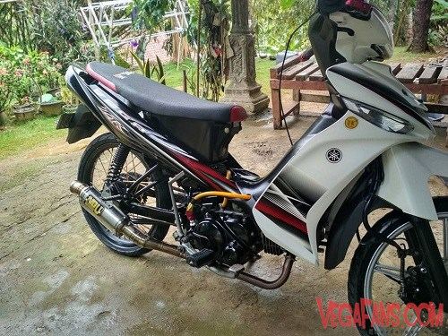 Vega ZR Modif Simple Hitam Putih