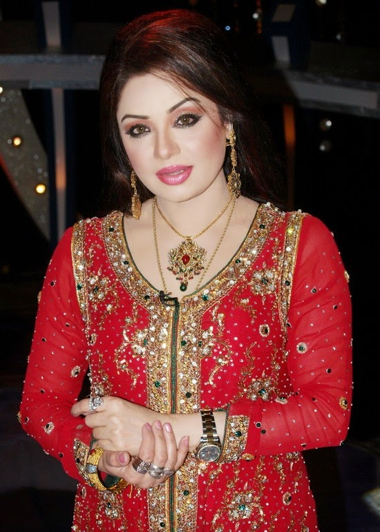shahida mini act sexy pic