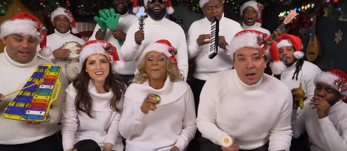 ANNA KENDRICK JOINS JIMMY FALLON SING \'CHRISTMAS\' WITH CLASSROOM ...