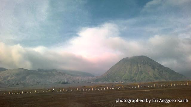 Gunung Bromo dan Gunung Batol-Jawa Timur