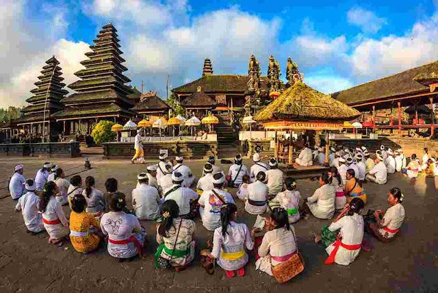 Ritual adat Bali