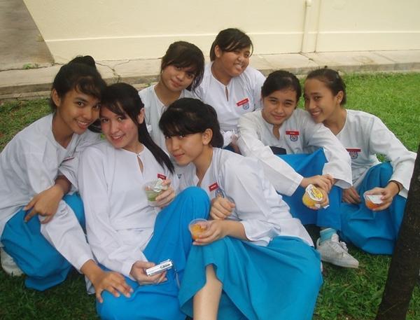image Malay awek baju kurung ngan pakwe