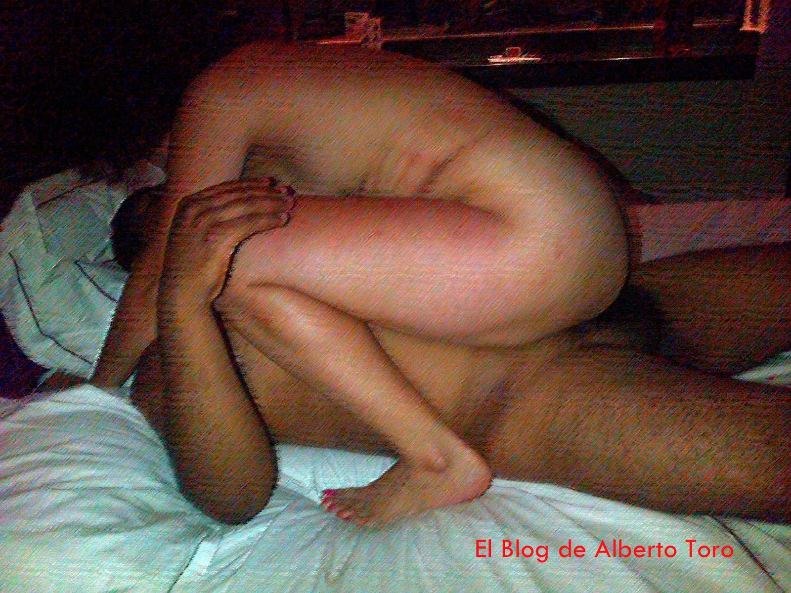 córneo masaje desnudo