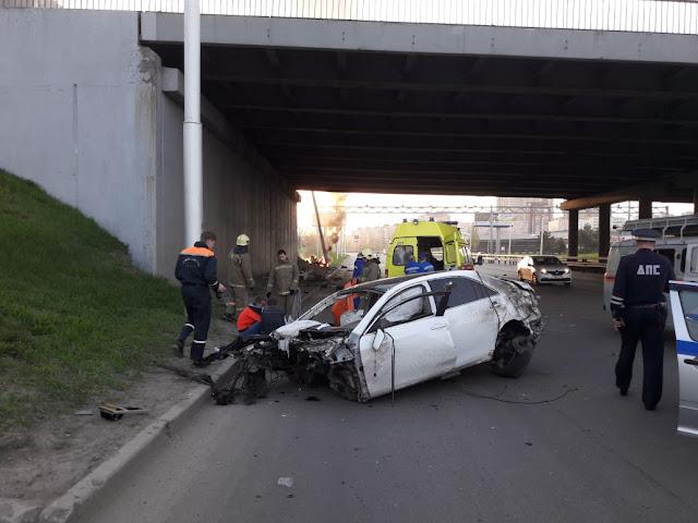 ДТП на проспекте Салавата Юлаева: иномарку разорвало пополам фото и видео