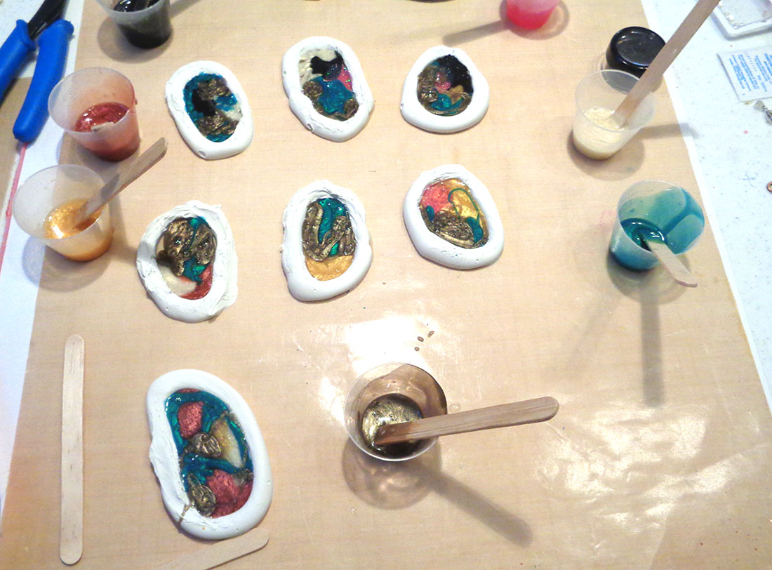 I LOVE RESIN: Multi Color Resin Swirl Baubles