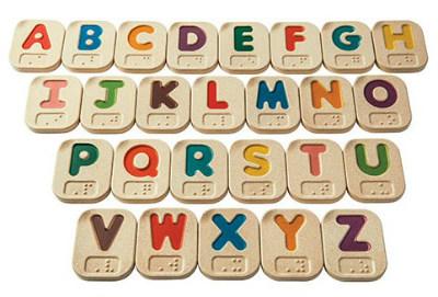 juguetes y juegos para ayudar a aprender a leer y escribir, alfabeto braille