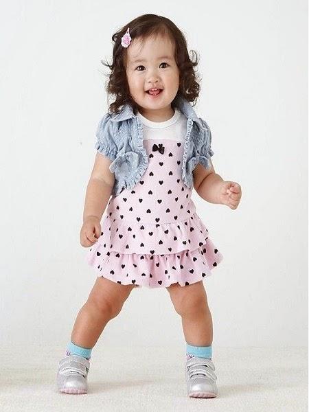 Photo bébé fille mannequin