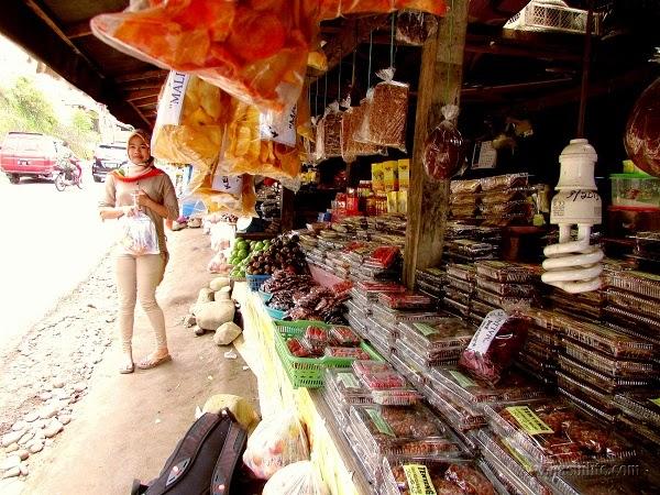 Pasar kuliner khas malino