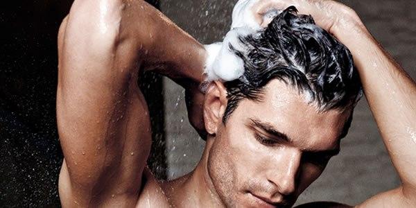beleza, para homens, cabelos, cuidados com cabelos, produtos masculinos, shampoo, boné, hidratação capilar, homem feito, dicas básicas, cuidados, queda capilar, frizz