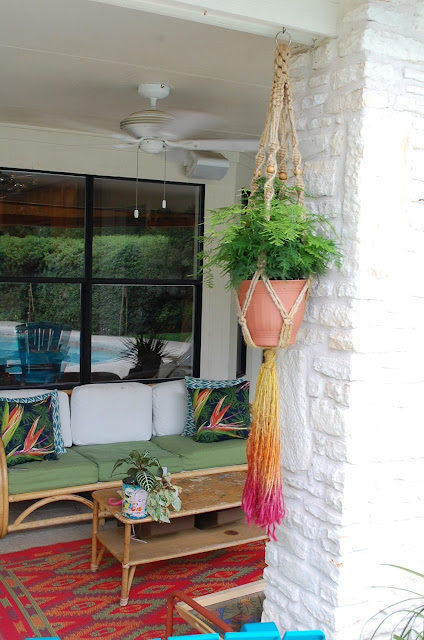 Easy DIY dyed macrame plant holder