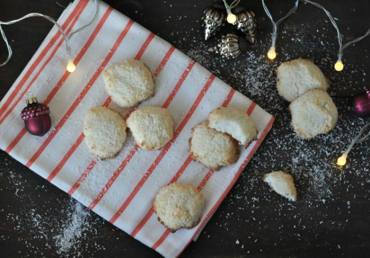 gluten free Coconut-Ginger-Macarons with lemon - a different christmas cookie
