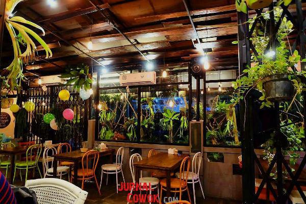 The Garden Cafe, Sebuah Pelarian Bernuansa Taman!