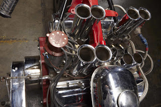 EJ-Potter-Widowmaker-7-Motorcycle-with-a-Chevy-V8-05-620x413