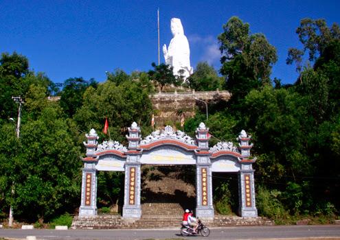bán đảo Sơn trà với chùa Linh Ứng nổi tiếng