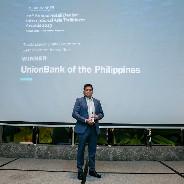 EON Banking Group Head, SVP Paolo Baltao receives the Best Payment Innovation award for EON by UnionBank at the Retail Banker International (RBI) Asia during the 2019 RBI Asia Trailblazer Awards held in Singapore.